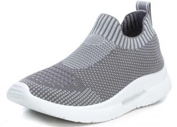 Super bequeme Sock Sneakers von Xti aus Spanien, grau (gris)